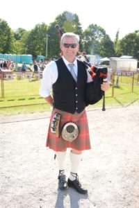 Mike Chisholm Bagpiper
